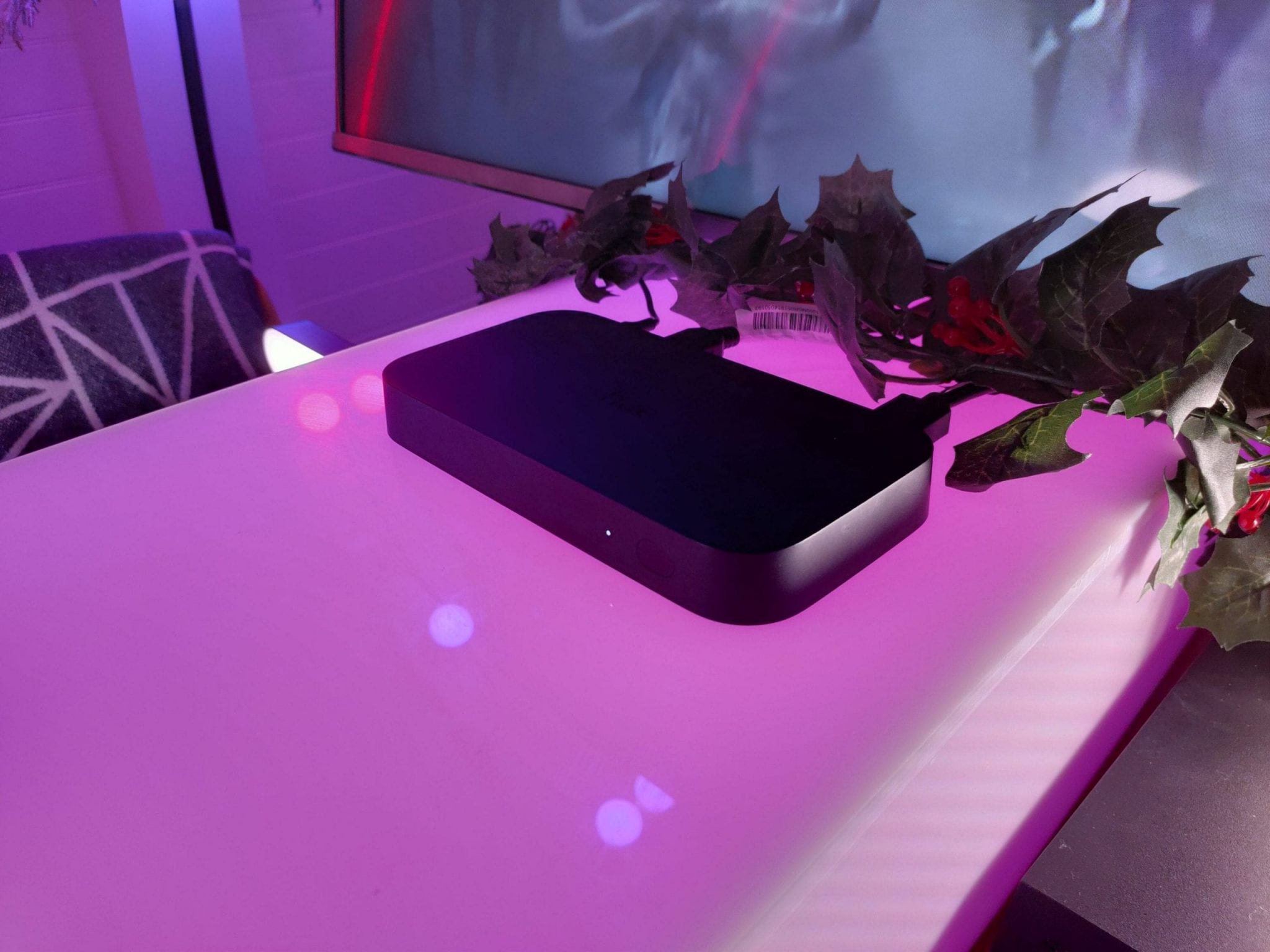 Philips Hue HDMI Sync Box - Philips Ambilight for any TV